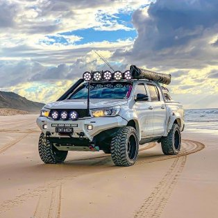 Rival 4x4 Hilux 2
